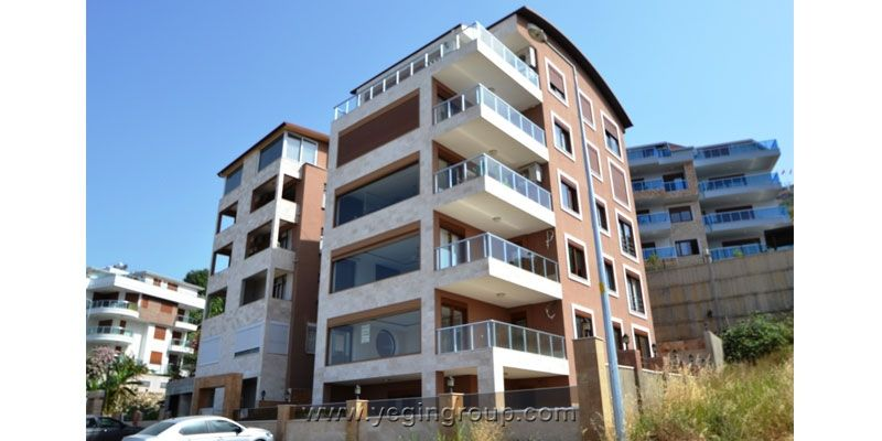 Sea and Castle View Apartment For Sale in Alanya