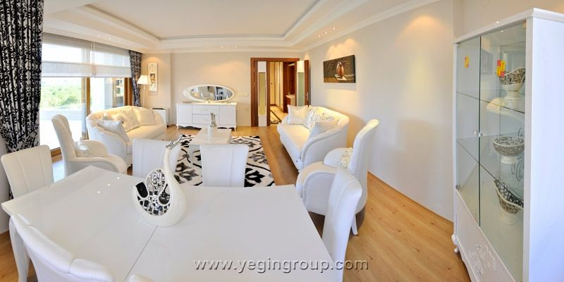 For sale spacious Penthouse with sea view in Alanya