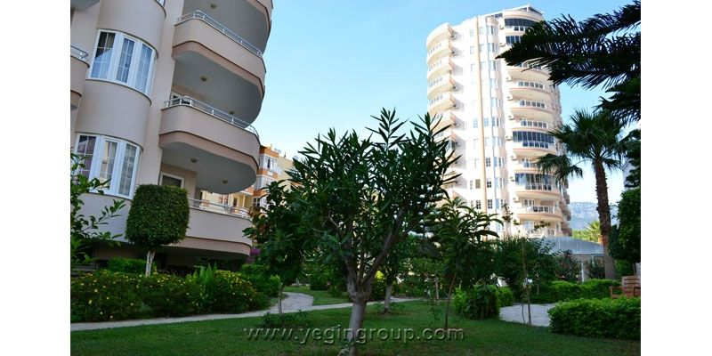 Apartment for sale with swimming pool in Mahmutlar Alanya